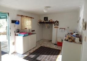 2 Bedrooms Bedrooms,1 BathroomBathrooms,Residential,1017
