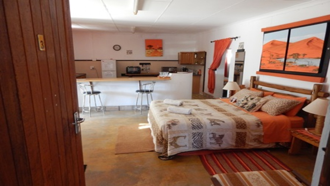 8 Bedrooms Bedrooms, ,4 BathroomsBathrooms,Commercial,For sale,1060